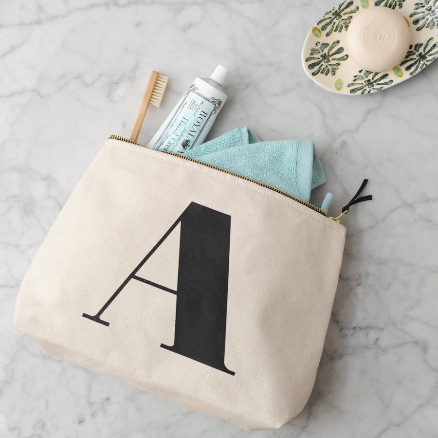 original_initial-wash-bag-natural