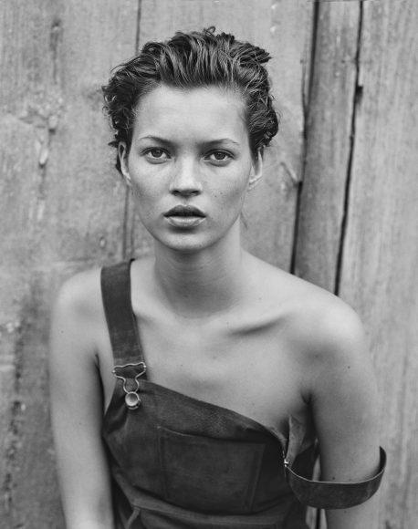 1994 Harper's Bazaar Gencecik bir Kate Moss, Lindberg'in belki de en ünlü portlerinden biri...